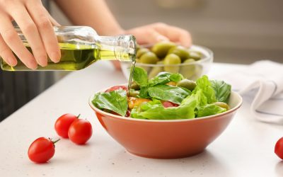 WHY TO AVOID STORE-BOUGHT SALAD DRESSINGS